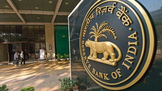 The delay in implementation by some stakeholders has given rise to a situation of possible large-scale consumer inconvenience and default, the RBI said.(Mint)