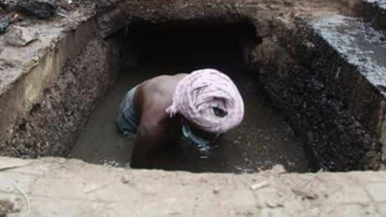 Manual scavenging has been banned since 1993 in India but it continues unabated with several deaths reported due to asphyxiation.(HT file photo)