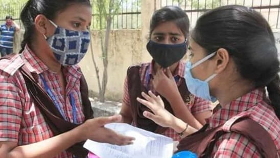 Of Delhi's 2,168 schools, most schools are affiliated to the CBSE, which usually begins conducting board exams for classes 10 and 12 in February. (HT Photo)