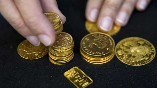 The prices of the yellow metal have been witnessing a downward trend since hitting <span class='webrupee'>₹</span>56,200 in August last year.(Reuters)