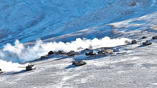 The 11th round of talks between corps commander-ranked officers was expected to focus on outstanding problems with the People's Liberation Army (PLA) at Hot Springs, Gogra and Depsang. (AP Photo)