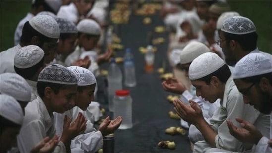 Ramadan 2021: Islamic traditions, obligatory fasting rules for Muslims in Ramzan(Twitter/iamsanajamal)