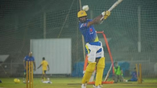 Cheteshwar Pujara bats during CSK's training session in Mumbai.(Twitter)
