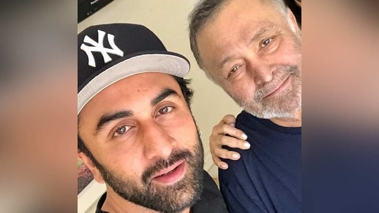 Rishi Kapoor and Ranbir Kapoor pose together.