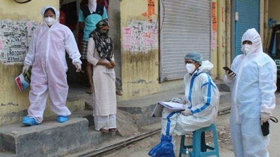 On Monday, the number of Covid-19 containment zones in the Indore district increased to 22.(HT Photo)
