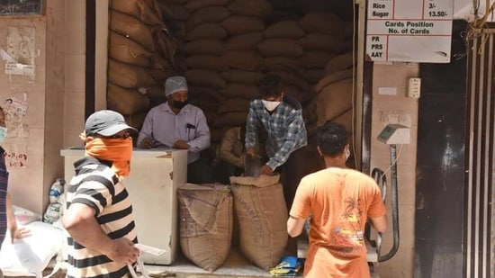 The development comes weeks after the Aam Aadmi Party (AAP) government got into a tussle with the Centre after the latter objected to the state government's doorstep ration delivery scheme.(Raj K Raj/HT Archive)