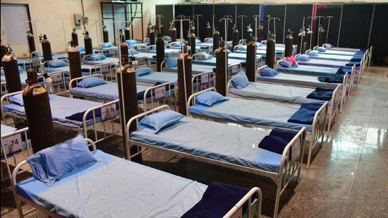 A view inside 150-plus beds Covid-19 special hospital, at Nehru Science Centre, in Mumbai. (HT Photo)
