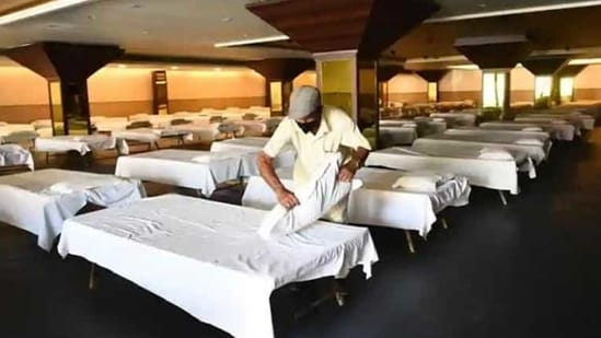 Bed occupancy rates in Mumbai have already crossed 80% with more than 98% of Intensive Care Units (ICUs) and ventilator beds fully occupied.(HT file photo)