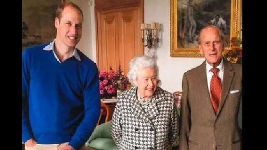 Along with the Duke of Edinburgh and the Queen, the image also features Prince George and Princess Charlotte.(Instagram/@kensingtonroyal )