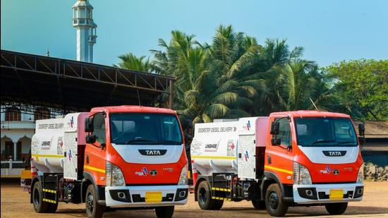 'Fuel on call': Mobile diesel dispenser is a hit in north Kerala