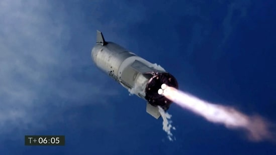 An uncrewed SpaceX Starship prototype rocket failed to land safely on March 30 after a test launch from Boca Chica, Texas(AP file photo)