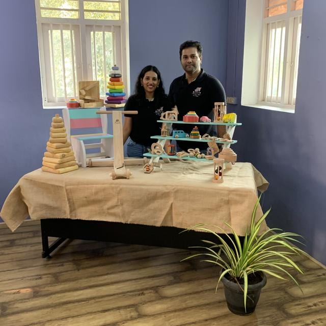Vasanth Tamilselvan, an entrepreneur and his wife Nisha Vasanth, a Montessori teacher, co-founded Ariro Wooden Toys, two years after their daughter Nakshatra was born, after she developed a reaction to plastic toys.
