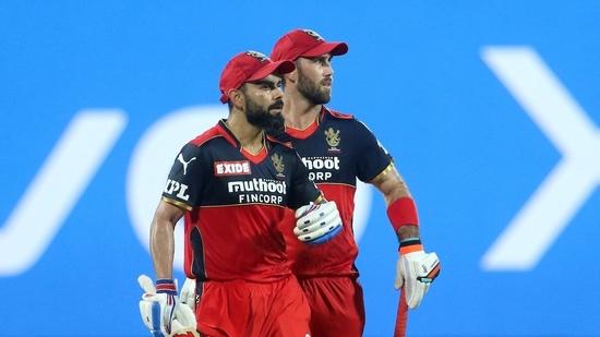 Glenn Maxwell (right) in action during the season opener(Twitter/IPL)