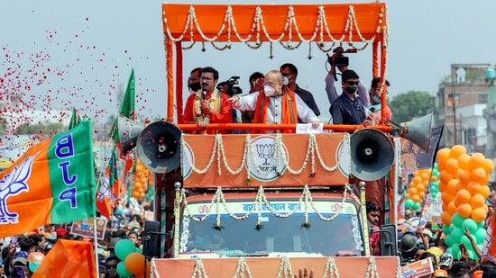 Union home minister Amit Shah during a roadshow at Bethuadahari in Nadia district on Sunday.(PTI)