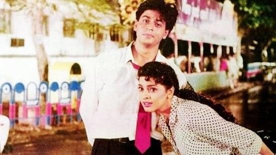 Shah Rukh Khan and Juhi Chawla in Raju Ban Gaya Gentleman.