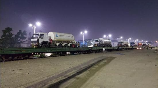 The railway ministry on Friday approved transportation of liquid medical oxygen in cryogenic tankers under its 'Ro-Ro' model. (HT photo)