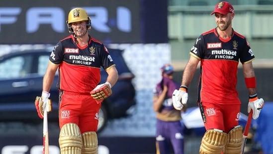 AB de Villiers (L) and Glenn Maxwell (R) during RCB vs KKR match in Chennai(IPL)