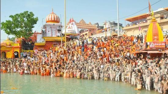 File photo: Pilgrims and seers in Haridwar, Uttarakhand during Mahakumbh. (HT photo)