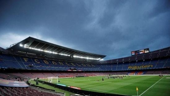 Soccer Football - La Liga Santander - FC Barcelona v Osasuna - Camp Nou, Barcelona, Spain - July 16, 2020 General view inside the stadium before the match, as play resumes behind closed doors following the outbreak of the coronavirus disease (COVID-19) REUTERS/Albert Gea(REUTERS)