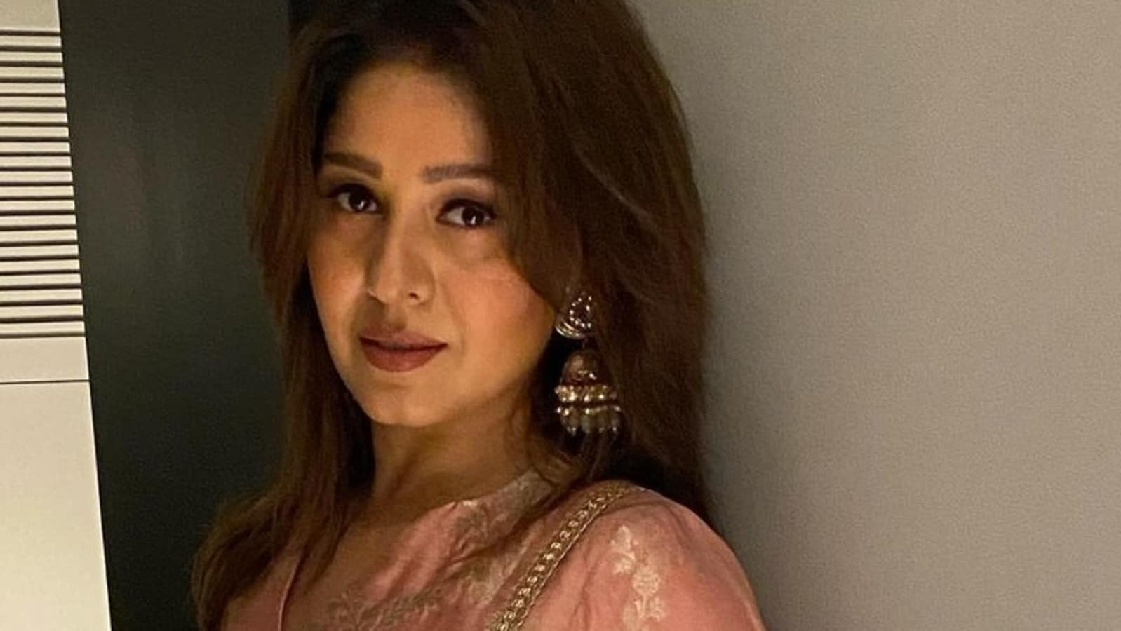 Sunidhi Chauhan says a music director once told her that her singing is 'like a man's voice on an actress' - Hindustan Times