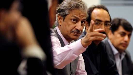 Absar Alam attends a planning meeting with senior staff in Islamabad, Pakistan, He was shot at by an unknown person in a park close to his home in Islamabad on Tuesday.(Reuters/ File Photo)