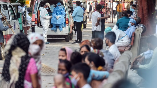 A total of 2,020 new deaths were reported due to Covid-19 on Tuesday, the highest ever, pushing the total number of people who have lost their lives to the disease to 182,591, according to HT's dashboard.(PTI)