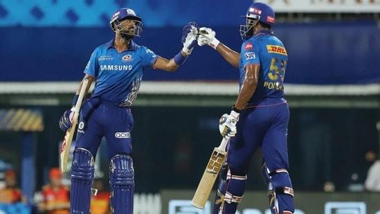 Mumbai Indians' Krunal Pandya (L) and Kieron Pollard(R)(IPL)