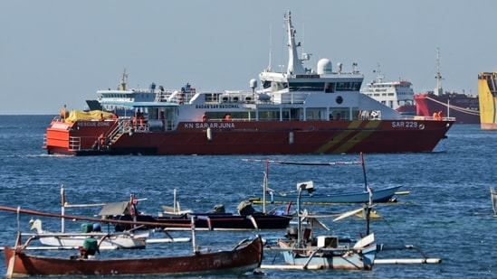 A National Search and Rescue Agency rescue ship sails to join the search for submarine KRI Nanggala that went missing while participating in a training exercise on Wednesday, off Banyuwangi, East Java, Indonesia, on Friday, April 23, 2021. (AP)