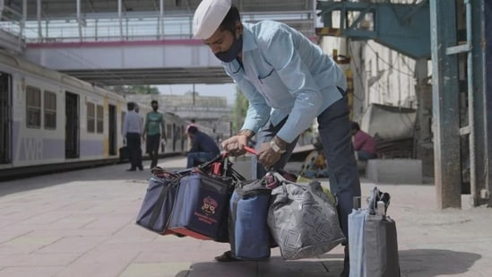 The dabbawalas have raised over <span class='webrupee'>₹</span>20 lakh in just four days with the help of a fundraiser organisation as more than 1000 people have donated so far through Milaap.