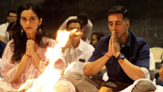 Prithviraj stars Akshay Kumar with Manushi Chillar.