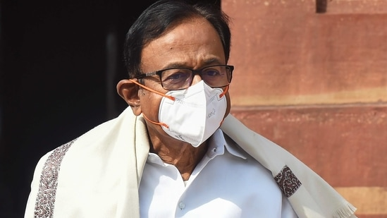 Congress MP P Chidambaram cautioned the government and said that the decision of vaccinating all aged above 18 years carries a huge responsibility.(PTI)