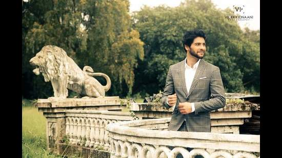 Mishal Raheja says that it was only when Anurag Basu signed me for Love Story as the guitar-strumming lover that people sat up and noticed me (Vickky Idnaani)
