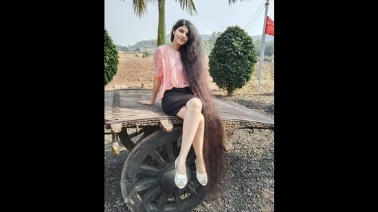 Gujarat based 18-year-old Nilanshi Patel held the Guinness World Record title for having longest hair among teenagers.