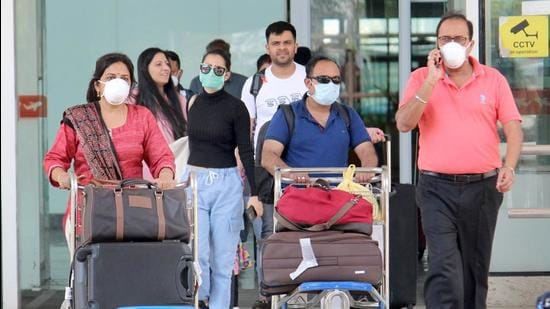 Amid a drop in demand, even the last-minute fares of popular domestic sectors have gone down by 10-15%. (HT File Photo)
