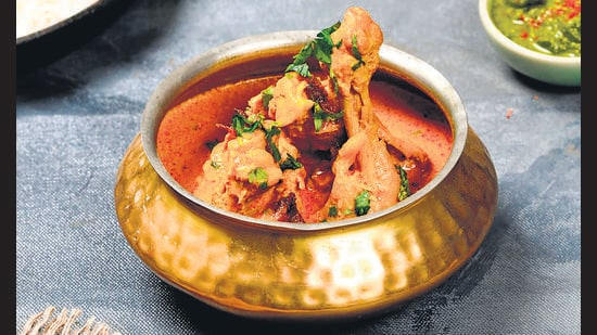 Dum ka Murgh also popularly known as Lagan ka Murgh in Hyderabad is actually slow cooked marinated chicken.