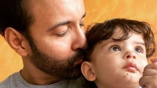 Aamir Khan occasionally shares pictures with his daughter Ayra on Instagram.