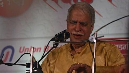 Rajan Mishra performs during the Sawai Gandharva Bhimsen Mahotsav in this file photo. (Pratham Gokhale/HT Photo)