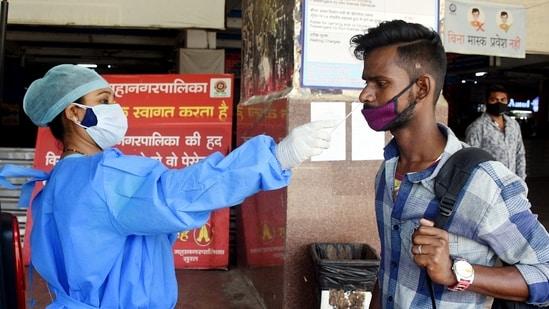 Thermal screening at Railway Station in Surat.(ANI file photo)
