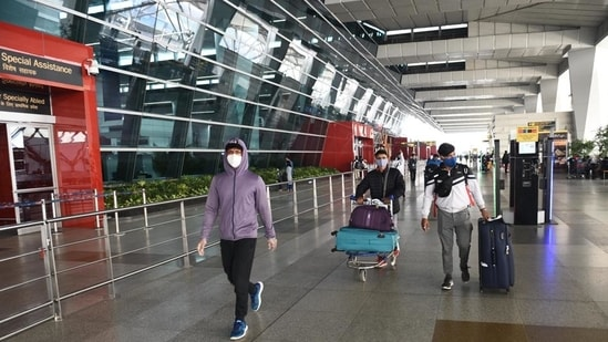 Travellers at Indira Gandhi International (IGI) Airport in New Delhi. (Vipin Kumar/HT File photo)