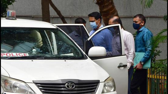 NIA produces Mumbai Crime branch officer Sunil Mane for his alleged role in Antilia bomb scare and Mansukh Hiran murder case to a sessions court in Mumbai on April 23. (File photo)