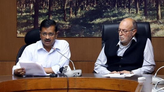Delhi chief minister Arvind Kejriwal with Lt. Governor Anil Baijal. (HT archive)