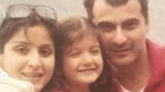 Maheep, Shanaya and Sanjay in a throwback picture Shanaya shared on Maheep's birthday.