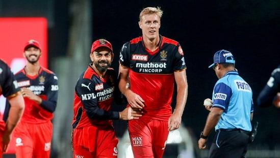 Kyle Jamieson celebrates with Virat Kohli during Indian Premier League.(PTI)