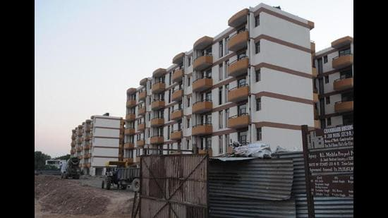 The CHB had invited e-tenders for the sale of 109 built-up dwelling units in Sector 38 (West), Sector 49, Sector 51 and in Sector 63. (HT File Photo)