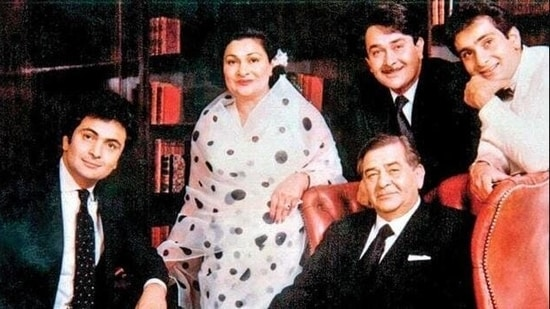 Randhir Kapoor with his parents, Raj Kapoor and Krishna, and brothers Rishi and Rajiv Kapoor.