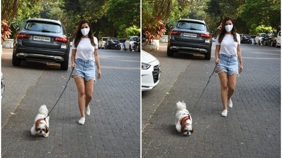 Sophie Choudry takes her pet dog out for a stroll.(Varinder Chawla)