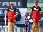 AB de Villiers (L) and Glenn Maxwell (R) during RCB vs KKR IPL 2021 match in Chennai(IPL)
