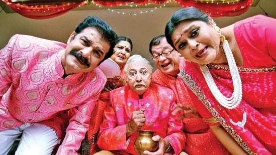 Anang Desai as Tulsidas Parekh in Khichdi.