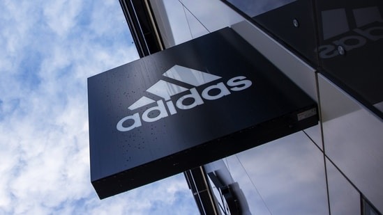 Sales in the Adidas store on Alibaba Group Holding Ltd.'s Tmall -China's largest business-to-consumer e-commerce platform -slumped by 78% in April from a year ago, according to analysis done by Morningstar Inc.(Bloomberg)