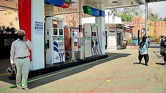 While sales in urban pumps declined 50-60%, business in rural pumps dropped by 20-30%.(HT Photo )